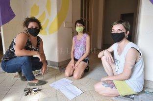 La no violencia contra la mujer se milita en las calles y en las redes - Para adherir a la jornada, la Asociación Civil Generar inaugura un mural en su sede de Dr. Zavalla 3351, ex Hospital Italiano. -