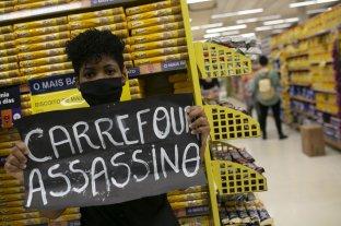 Detuvieron a una supervisora de Carrefour: la acusan de matar a un cliente negro