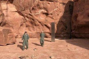 Descubren un monolito de metal en medio del desierto en Utah