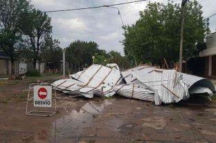 Diez minutos de viento y granizo provocaron cuantiosos destrozos en El Trébol