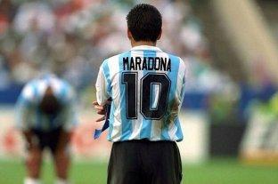 Juntan firmas para pedir que se retire la camiseta 10 del seleccionado argentino en honor a Maradona