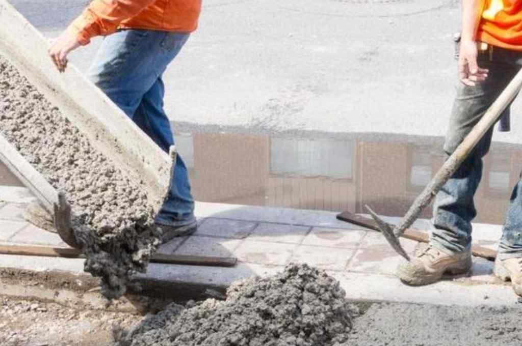 Algunos insumos, como el cemento, tienen graves faltantes.    Crédito: Archivo El Litoral