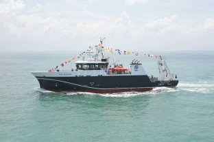 El Ministerio de Agricultura recibió al nuevo buque de investigación del INIDEP