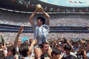 El recuerdo del santafesino que llevó en andas a Maradona en el Mundial 1986 -  -