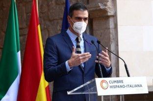 """El presidente de España asegura que se está """"en el principio del fin de la pandemia"""""""