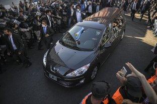 Último adiós a Diego Maradona: familiares y amigos lo despiden en una ceremonia íntima