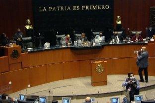Por decisión del Senado, los presidentes de México ya no tendrán fueros