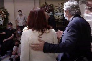 Luego de dos meses sin verse ni hablar, Alberto y Cristina se reencontraron en el velatorio de Maradona