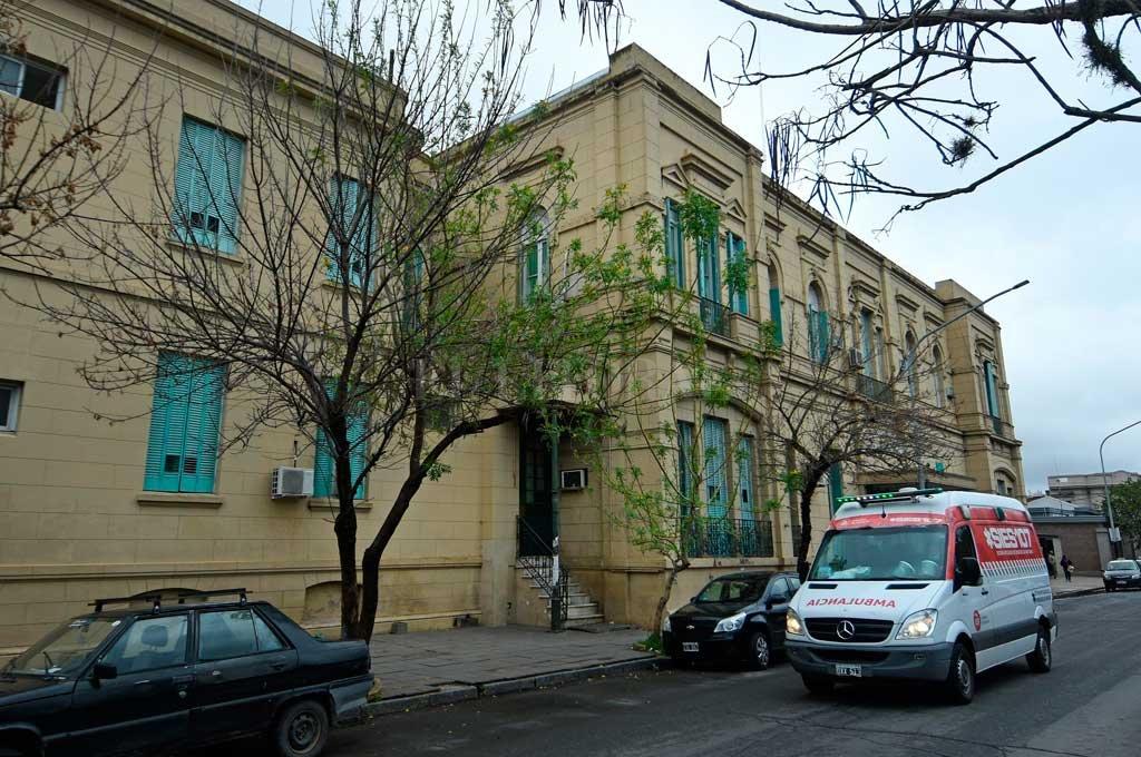Dos de los heridos fueron asistidos en el hospital Cullen, el tercero se negó a ser trasladado.  Crédito: Pablo Aguirre