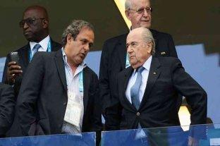 Michel Platini y Joseph Blatter son acusados por una presunta estafa en Suiza