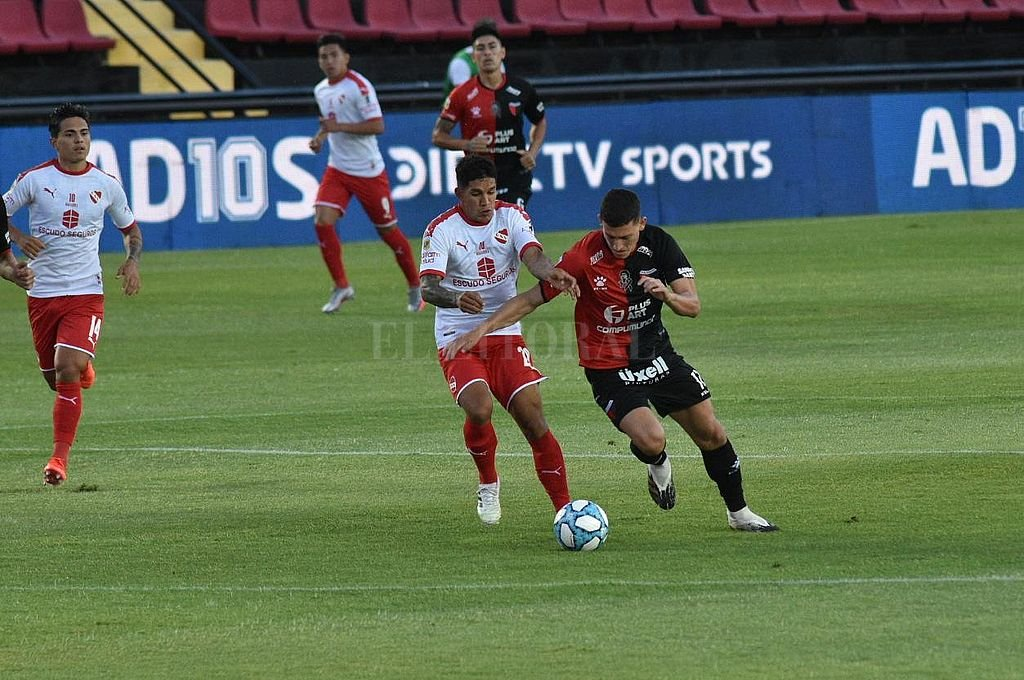Colón empata con Independiente -  -