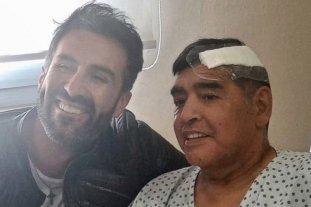 Muerte de Maradona: allanaron la casa y el consultorio de Luque, su último médico personal - Luque y Maradona