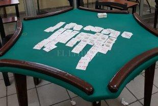 Juego clandestino: secuestran casi un millón de pesos y buscan 6 prófugos -  -