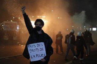 Cuatro policías franceses imputados por golpear a un ciudadano durante las protestas del fin de semana