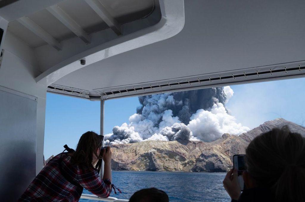 Volcán Whakaari - Isla Blanca (Nueva Zelanda) Crédito: Michael Schade