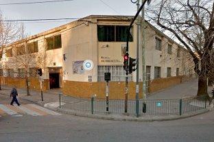 Ordenan la detención de un sacerdote acusado de abusar de una alumna en un colegio platense