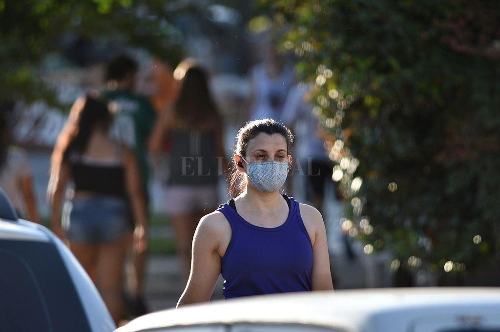 Covid en Santa Fe: la provincia reportó 44 muertes y 1.171 casos, 291 de la ciudad -  -