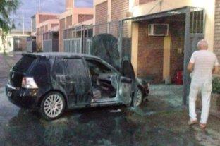 San Juan: se les incendió el auto en la cochera del hotel alojamiento