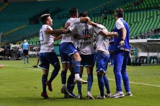 Vélez goleó a Deportivo Cali y se clasificó a los cuartos de final de la Copa Sudamericana