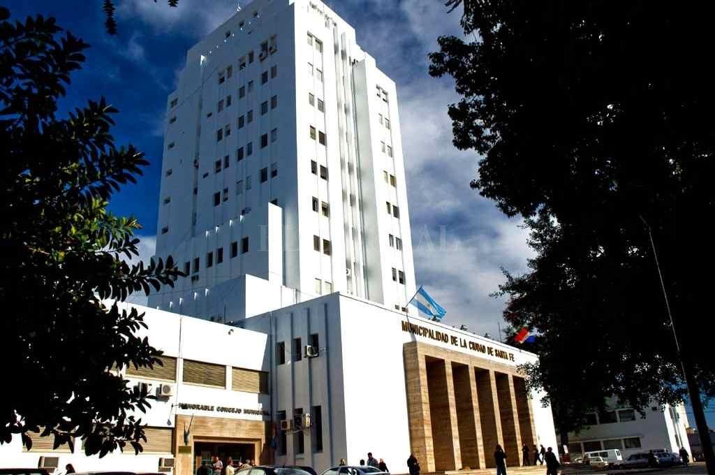 En el Palacio Municipal esperan el visto bueno del Concejo, tanto para el cálculo de gastos y recursos para 2021 como para las ordenanzas Tributaria y Fiscal.    Crédito: Archivo El Litoral