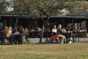 Paraná extiende el horario de la actividad gastronómica