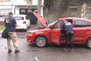 """Rosario: una pareja se salvó """"de milagro"""" cuando los balearon dentro de su auto"""
