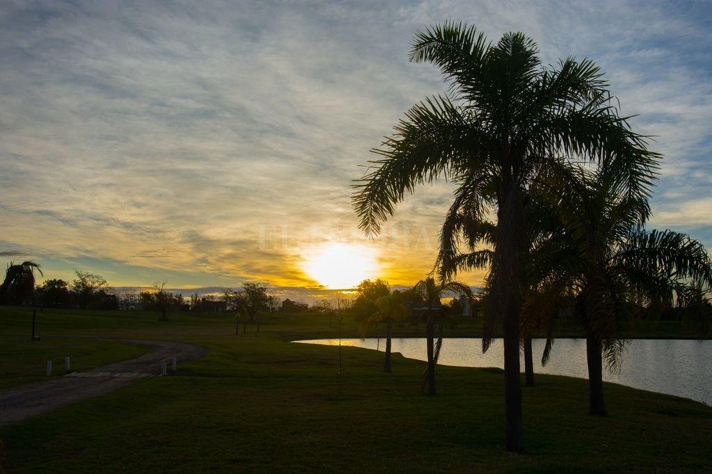 La provincia habilita la actividad turística desde este fin de semana - Complejo en la ciudad de Oliveros, Santa Fe -
