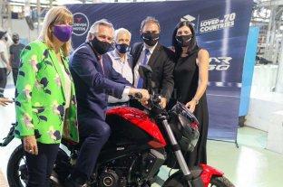 Alberto Fernández visitó Santa Fe y acompañó el anuncio de inversiones de dos empresas -  -