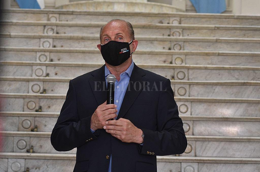 El gobernador Omar Perotti tiene coronavirus  -  -