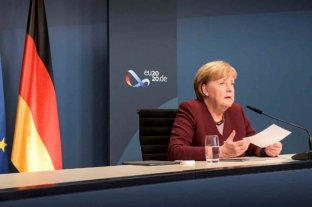 """Merkel pidió a Alberto Fernández que """"lance una clara señal política"""" a los mercados para recuperar la confianza"""