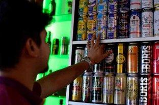 Paraguay vuelve a imponer restricciones en la venta de alcohol para frenar los contagios por coronavirus