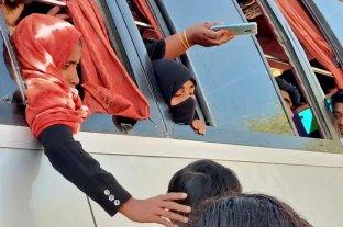 Bangladesh comenzó a aislar a los rohingyas en una isla