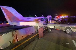 Video: aterrizó la avioneta en una autopista