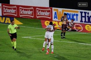 Colón derrotó a Central Córdoba y terminó primero en su grupo  -