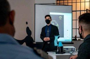 Un joven fabricó una lámpara sanitizante contra el Covid