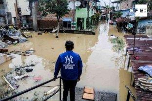 Las inundaciones en Indonesia dejaron 5 muertos y 12.700 personas afectadas