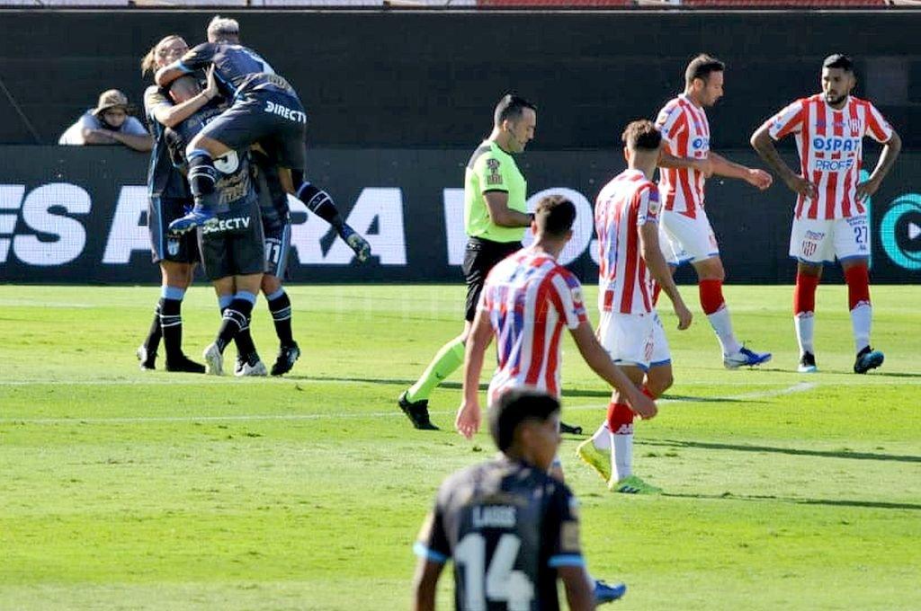Unión jugó mal, perdió y quedo afuera de la zona Campeonato -  -