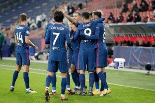 Atlético Madrid ganó y  se clasificó a los octavos de final de la Champions League