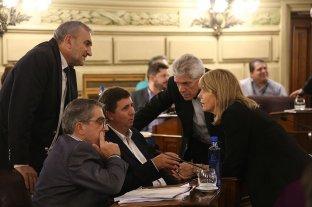 Los senadores del PJ respaldaron a Traferri como jefe de bloque