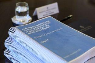 """El Presidente recibió el informe del consejo consultivo para la reforma judicial y destacó su """"diversidad"""""""