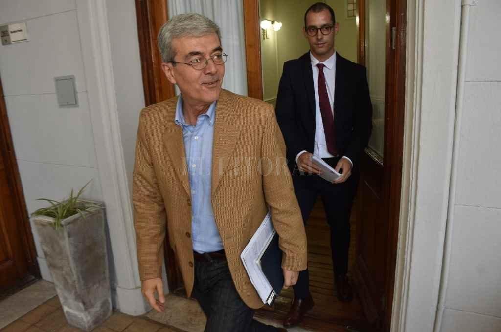 Walter Agosto, ministro de Economía, firmante de los dos mensajes que podrían ser considerados esta semana en Legislatura.    Crédito: Mauricio Garín