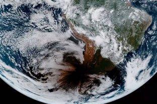 Hipnótico: así se vio Argentina desde el espacio durante el eclipse total solar