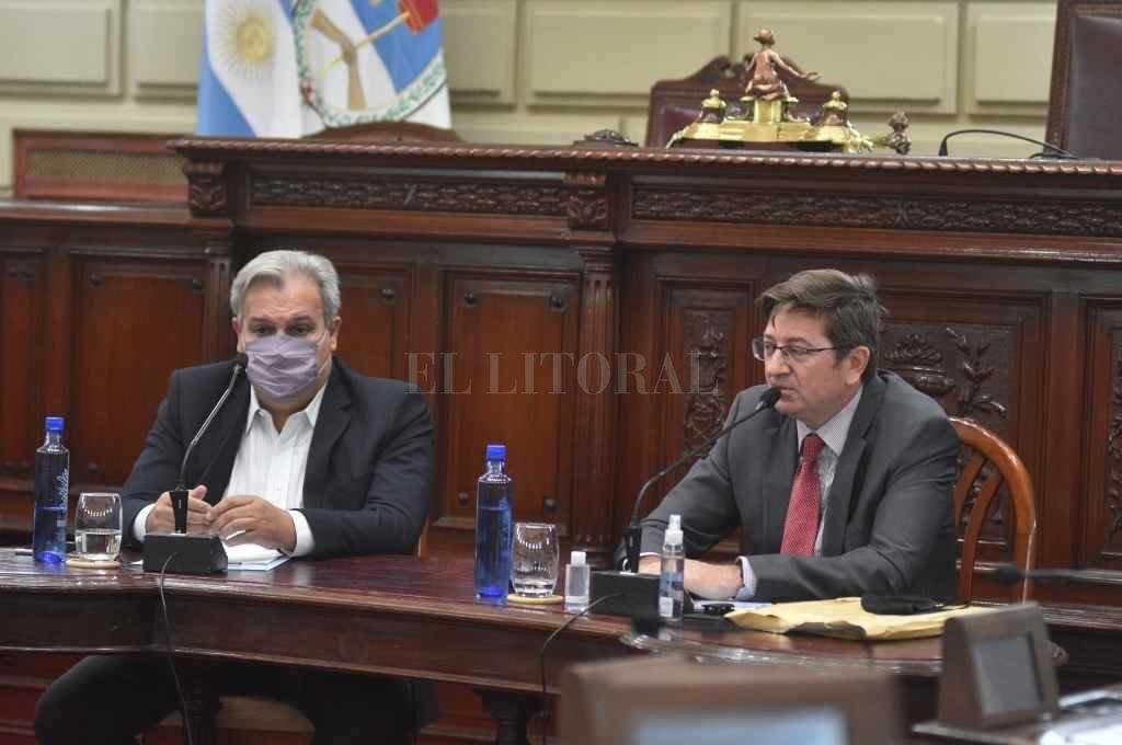 Pablo Farías condujo la reunión que tuvo como citado al vicepresidente de Lotería, Rodolfo Cattáneo en el recinto de la Cámara de Diputados.    Crédito: Manuel Fabatía
