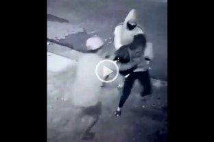Video: violento robo en barrio Candioti