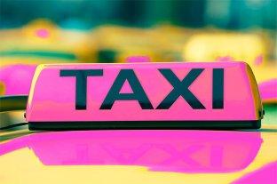 """Una sanjuanina ofrece un servicio de taxi """"rosa"""": solo para mujeres, ancianos o niños"""