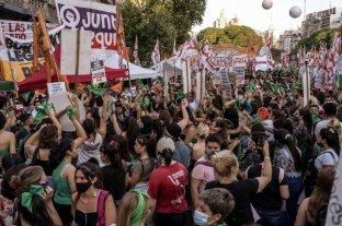 """""""Un hito en una región conservadora"""": así describió el New York Times a la legalización del aborto en Argentina"""
