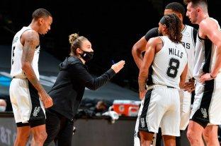 NBA: Becky Hammon se convirtió en la primera mujer en dirigir un equipo