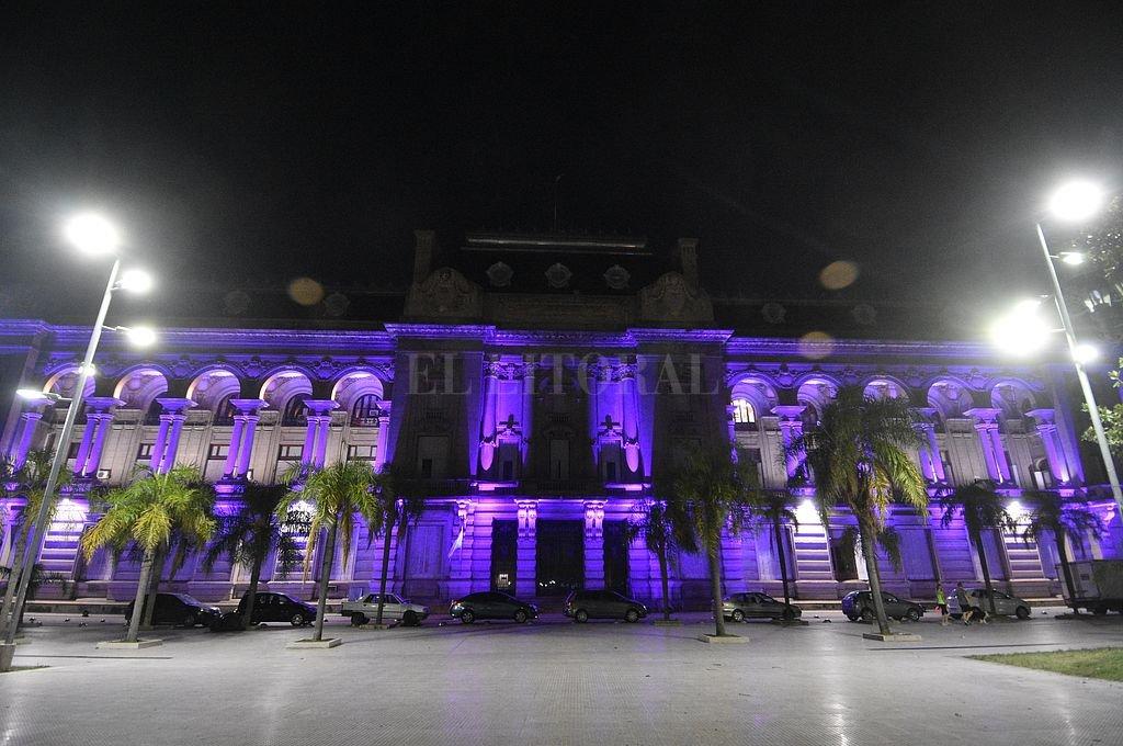 Casa de Gobierno, frente a la Plaza 25 de Mayo. Crédito: Archivo El Litoral / Manuel Fabatía