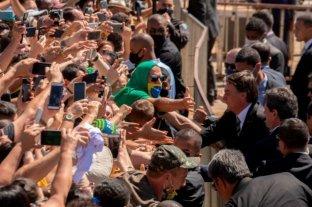 Duras críticas a Jair Bolsonaro por causar aglomeraciones en las playas de Sao Paulo