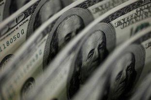 El dólar blue subió a $ 146 pero acumuló una baja de $ 7 en el mes